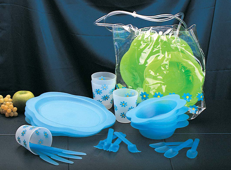 24PCS PP BBQ PLASTIC TABLEWARE SET