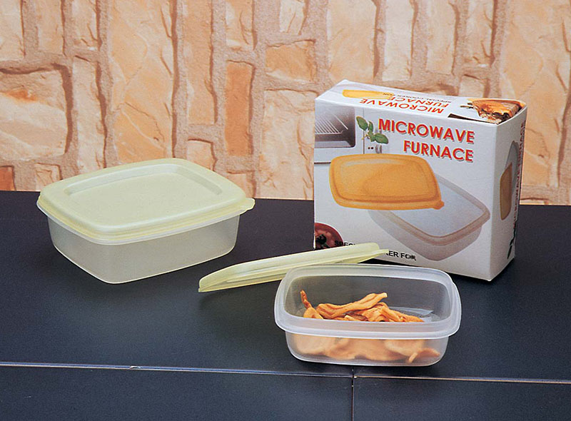 PLASTIC RECTANGLE FOOD STORAGE CONTAINER
