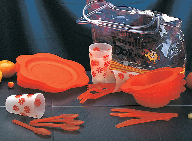 BBQ PORTABLE PLASTIC TABLEWARE SET